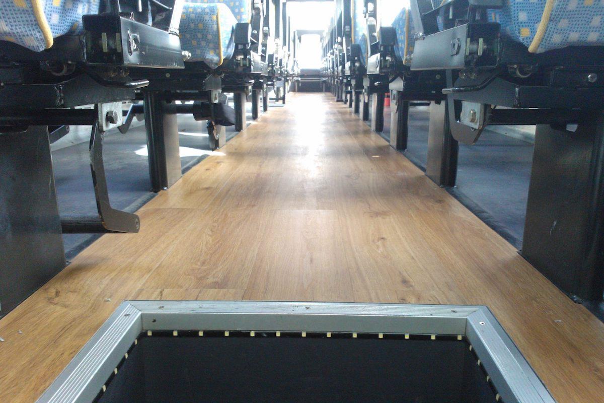 pavimento in legno per autobus