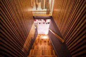 Rifiniture interne in legno showroom