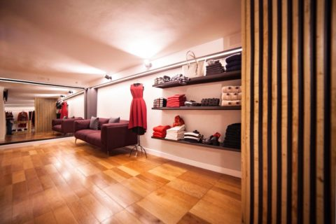 Showroom-pavimento in legno